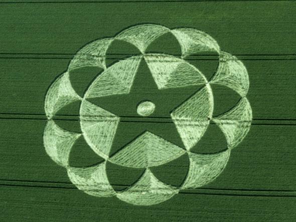 23-avebury-trusloe-wiltshire-20-06-98-barley-35mm